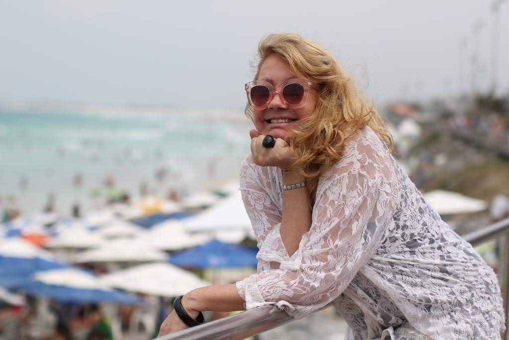 Olivia na praia de Cabo Frio