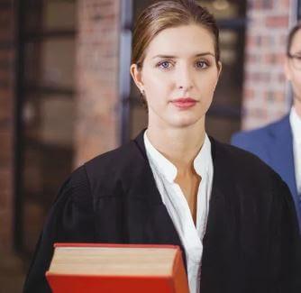 أفضل الصفات التي يجب البحث عنها عند اختيار محاميك