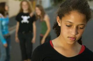 bullismo cyberbullismo io solo libro sul bullismo manuela taffi autrice scuole adolescenti problemi famiglia