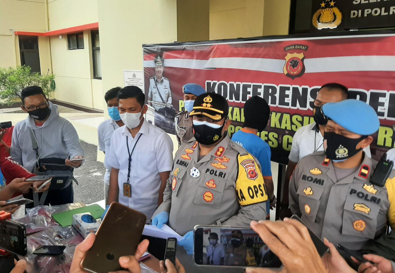 Polisi Tangkap Perakit Bom di Cianjur, 2 Bom Pipa Daya Ledak Tinggi Berhasil Diamankan