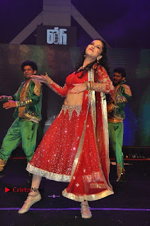 Bollywood Actress Model Sunny Leone Dance Performance in Red Half Saree at Rogue Audio Launch 13 March 2017  0171.jpg