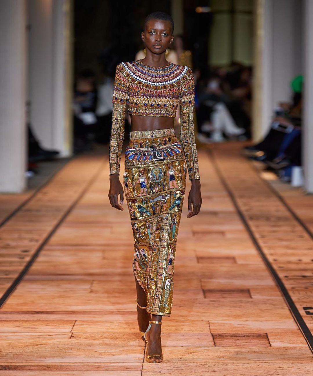 Zuhair Murad alta Costura 2020 uma viagem pelo Egito Antigo