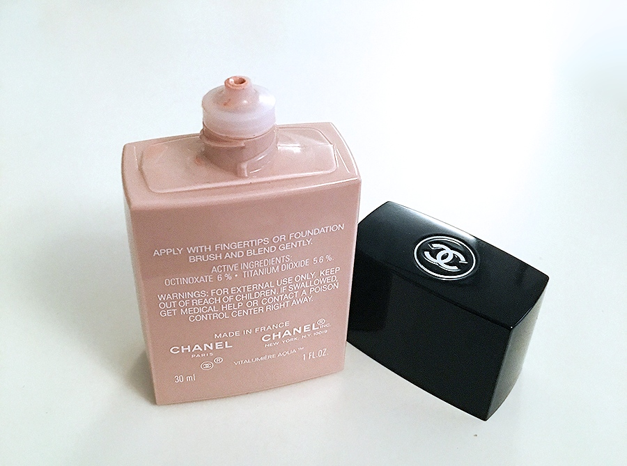 Ninasstyleblog review of Chanel Vitalumiere Aqua