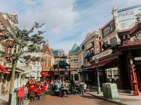 how to see disneyland paris in one day- main street
