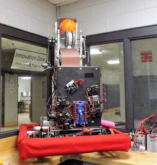 metamora Herald school robot