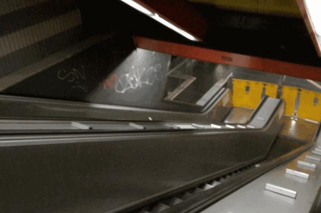 Metro, scale mobili e ascensori ko