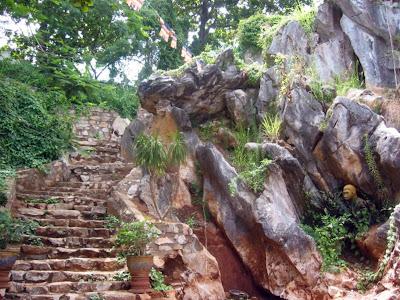 Scale di accesso in marmo templi