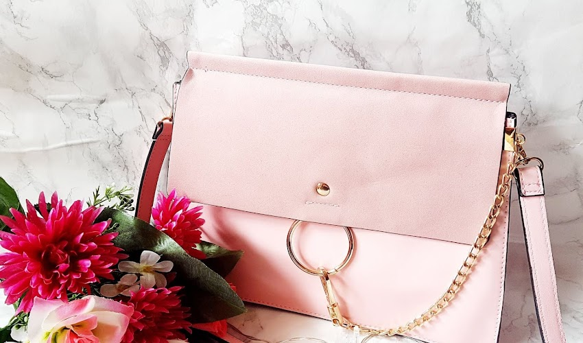 Boutique of Molly - The Must-Have bag....