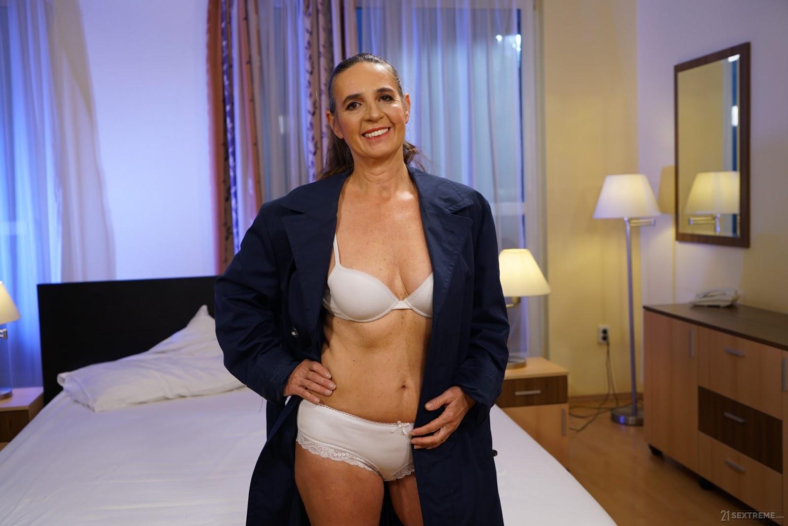 Grannys Secret Date,21 SEXTREME, 4K, Anal, Threesome, Uncensored, Westen, Westen Porn,Mugur,Mariana, Milf