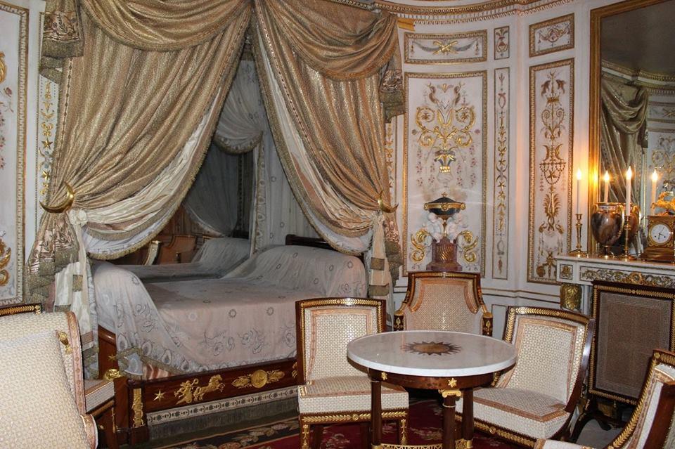 Le hameau de la reine boudoir turco di maria antonietta for Charles che arredo la reggia di versailles