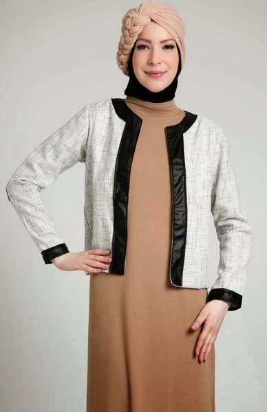 Kombinasi baju hamil muslim dress dengan cardigan yang trendy