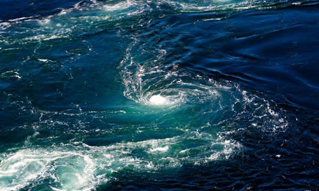 تونس: الرصد الجوي يحذّر من السباحة غدا بعد تسجيل حالات غرق