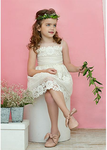 Vestidos blancos moda primavera verano 2018 para nenas.