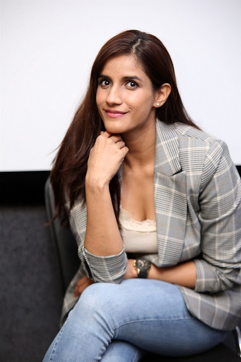 Shivani Singh stills at Ye Mantram Vesave movie Interview