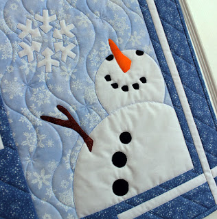 Snowman-Snowflake-Snow-QuiltFabrication-Wall-Hanging