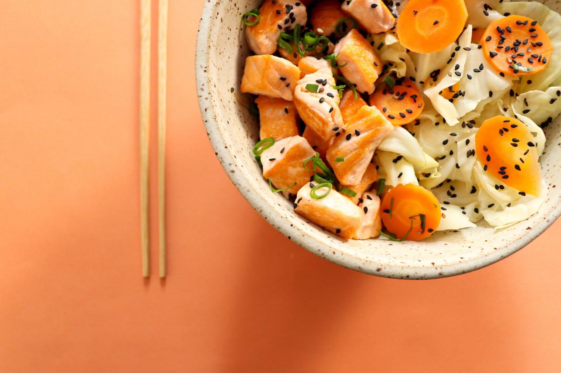 How to make arugula salad with orange