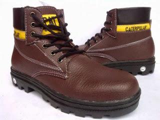 5 Jenis Sepatu Boots Pria