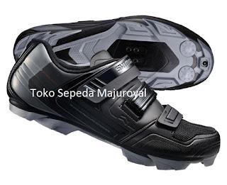 Sepatu Sepeda Shimano XC31L