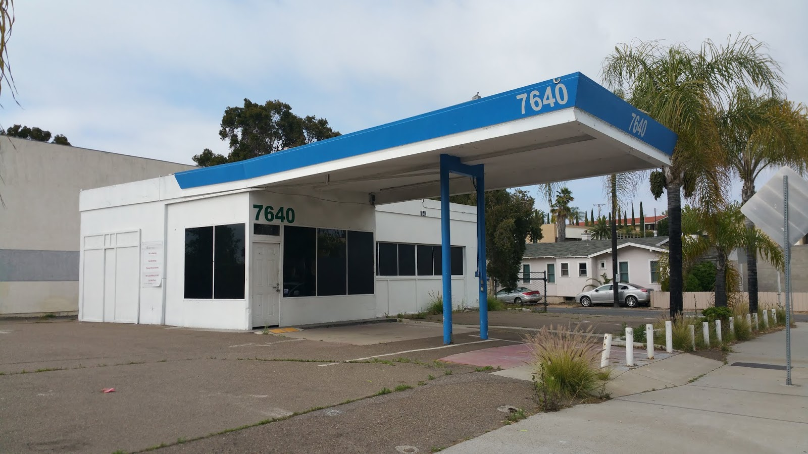 Just A Car Guy Abandoned Gas Station With No Architectural