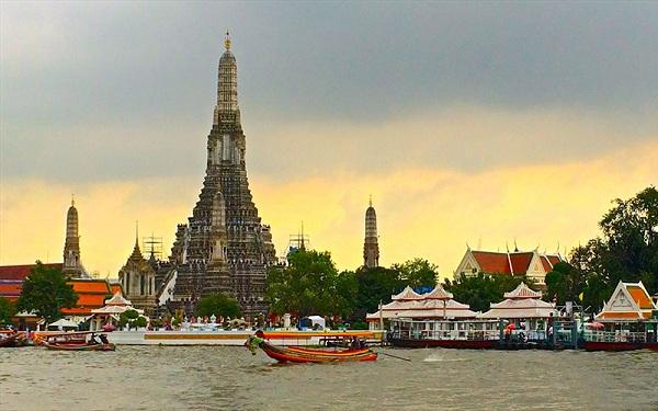 dòng sông Chaophraya thơ mộng