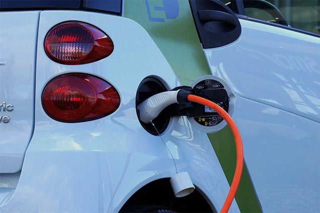 """Την ένταξη του έργου με τίτλο """"Υποδομές ηλεκτροκίνησης – Ηλεκτρικά οχήματα – Σταθμοί φόρτισης του Δήμου Ζηρού"""" στον Άξονα Προτεραιότητας """"Περιβάλλον"""", του Προγράμματος """"Αντώνης Τρίτσης"""" ενέκρινε ο Αναπληρωτής Υπουργός Εσωτερικών Στέλιος Πέτσας, έπειτα από τη θετική αξιολόγηση που έλαβε η πρόταση του Δήμου από την αρμόδια επιτροπή."""