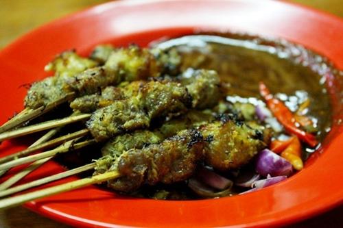 makanan enak di surabaya sate klopo