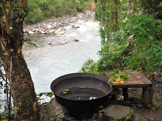 kawa bath over river kayak inn tibiao philippines