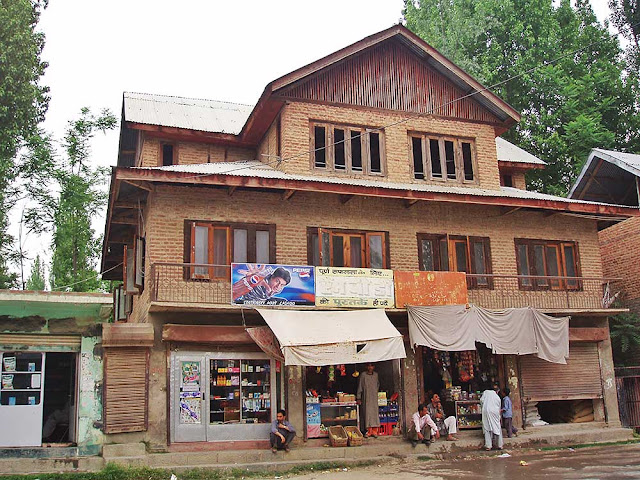 ladhoo ancient shiva temple kashmir valley