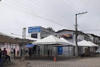 Prefeitura fecha rua com Tendas em frente a Casa Lotérica