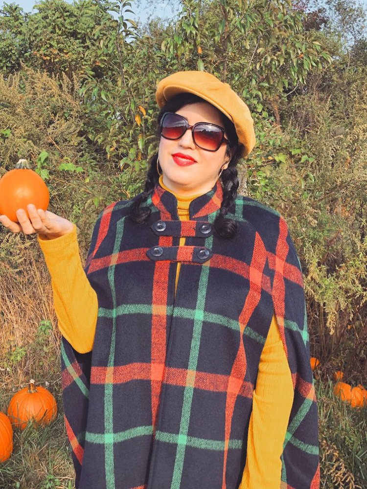 A Vintage Nerd, Vintage Blogger, Vintage Lifestyle, Retro Inspired Fashion, Modcloth Cape, Modcloth Retro Style, Casual Retro Inspired, Brixton Beret, Retro Fall Inspiration, Fall Fashion Inspiration