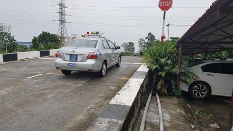 Khóa học lái xe ô tô số tự động B1, số sàn B2, xe tải C, quận Long Biên, Hà Nội