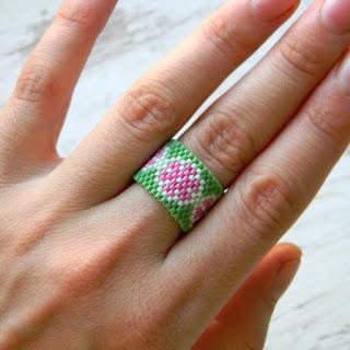 купить кольцо с цветочным орнаментом украшения из бисера качественные купить