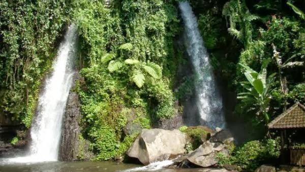 Wisata Air Terjun Tirto Kemanten, Kalibaru, Banyuwangi, Jawa Timur.