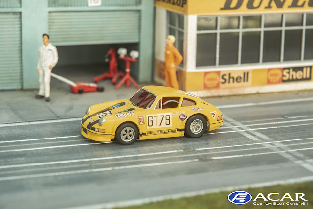 Porsche 911S Custom Out Law 1:64 AFX Magnatarction