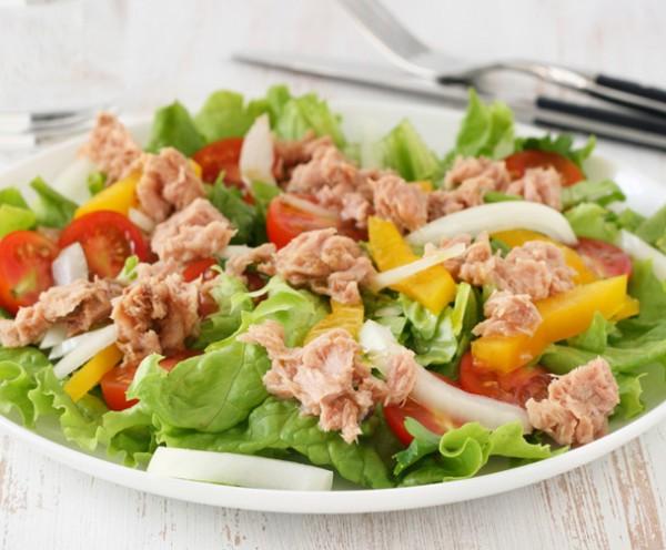 Variedad de ensaladas para bajar de peso