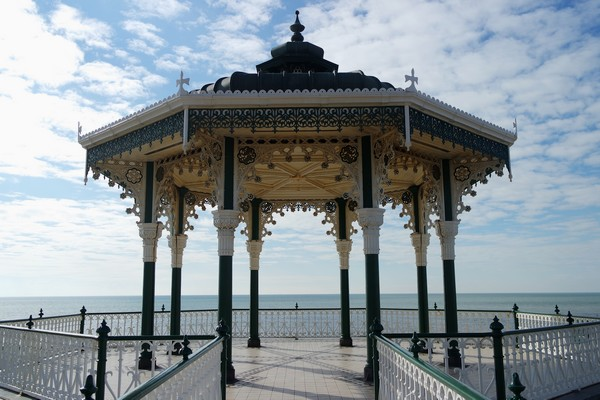 brighton seafront front mer bandstand
