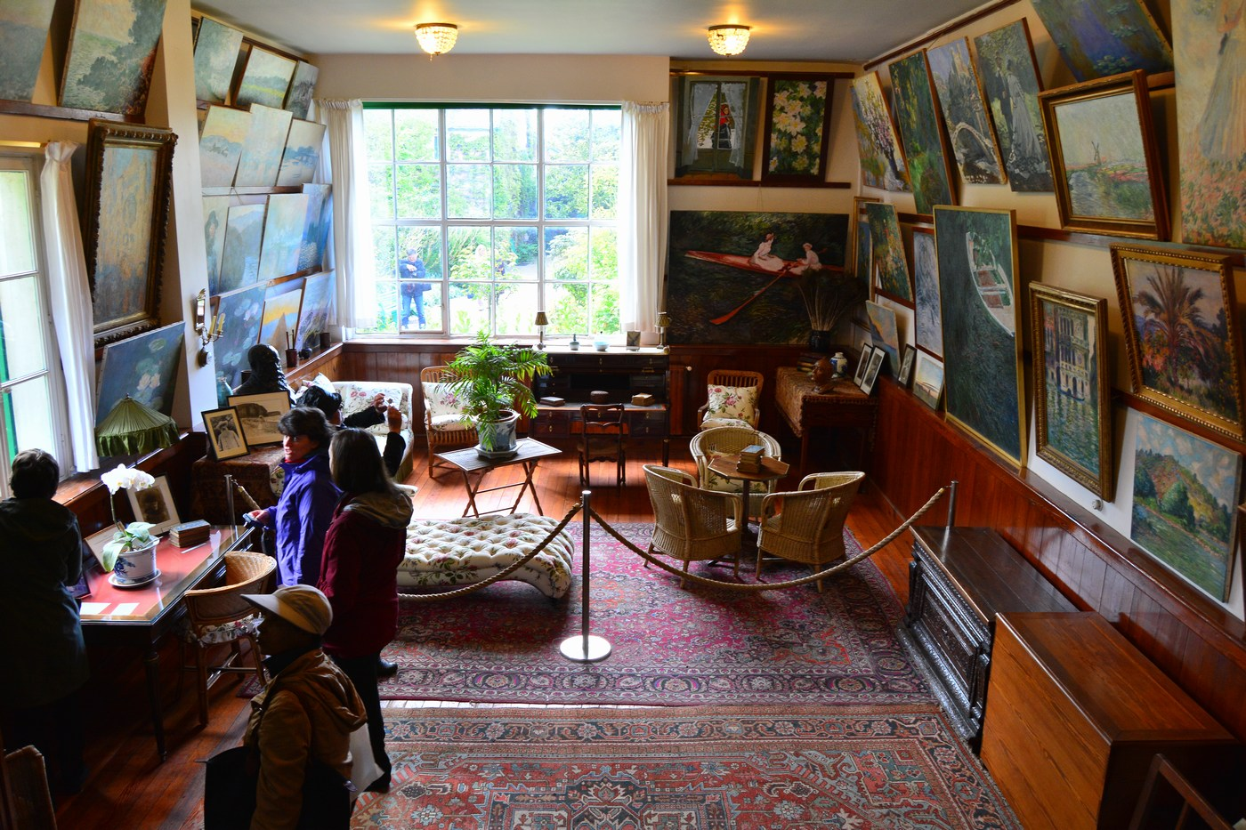 Voici l'atelier du peintre, devenu par la suite un salon-fumoir.