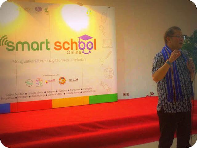 Rudiantara Imbau Orang Tua dan Guru di Ambon Perhatikan Teknologi