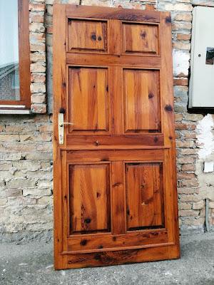 ulazna masivna vrata