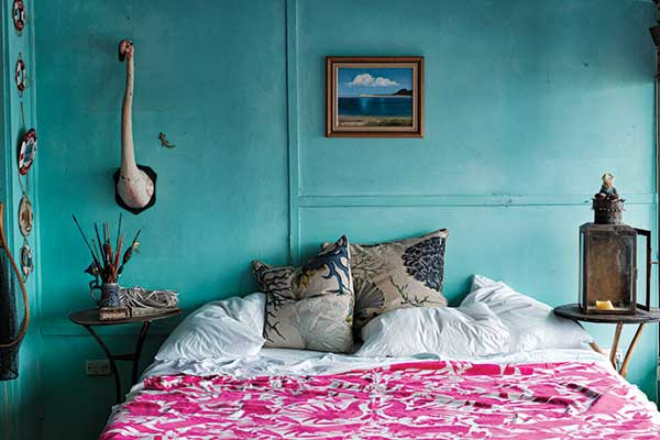 moon to moon: bedroom inspiration : hot pink bedspreads