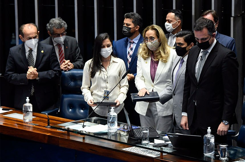 Senadora de Rondônia Maria Eliza toma posse e defende investimento na educação