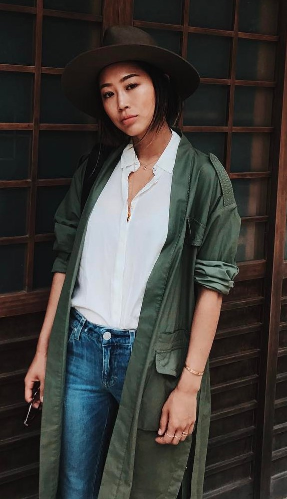 how to style a hat : white tee + jeans + olive coat