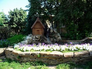 Микільське. Свято-Успенський Миколо-Василівський монастир. Водяний млин