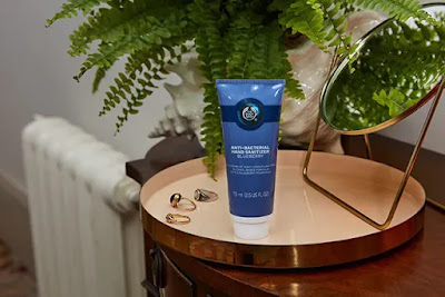https://www.thebodyshop.com/en-us/body/hand-washes/blueberry-hand-sanitizer/p/p003849?text=Blueberry+Hand+Sanitizer&autosuggest=Blueberry+Hand+Sanitizer&typed=hand#
