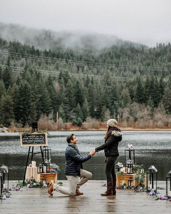 Amazing Scene as Romantic Ways to Propose