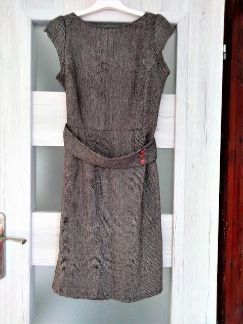 tweedowa-sukienka-olowkowa-swap-wroclaw-