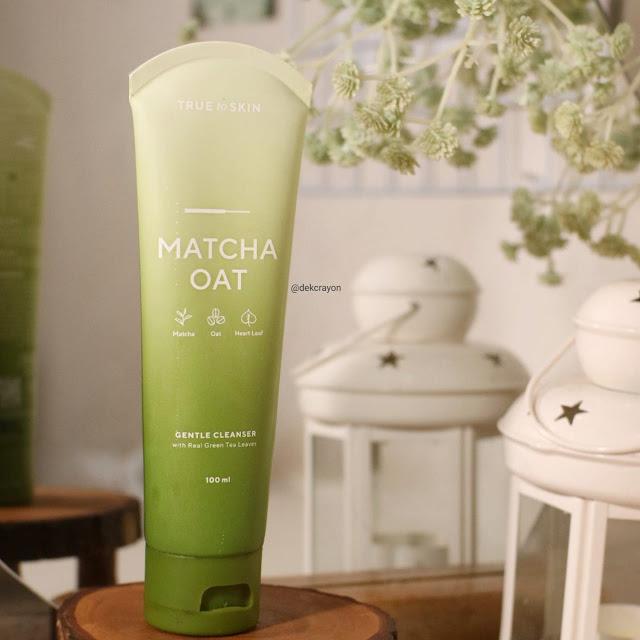 review True To Skin Mactha Oat Gentle Cleanser