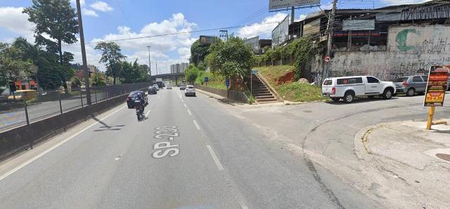 Arteris Régis Bittencourt informa que irá realizar serviços de implantação de defensa metálica para proteção de passeio no km 272