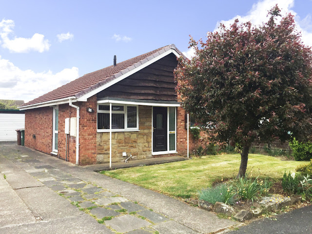 This Is Wakefield Property - 2 bed detached bungalow for sale Hollingthorpe Avenue, Hall Green, Wakefield WF4