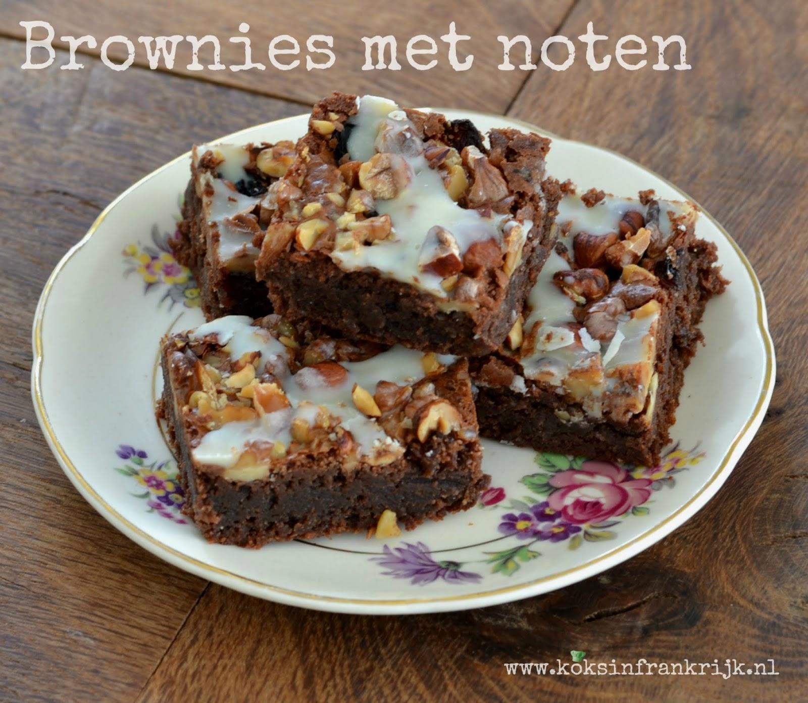 De lekkerste glutenvrije brownies met amandelmeel, hazelnoten en rozijnen.